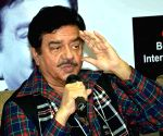 Shammi Kapoor deserved title 'Elvis Presley of India': Shatrughan Sinha