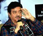 Shammi Kapoor deserved title 'Elvis Presley of India': Shatrughan Sinha