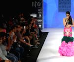 Shraddha Kapoor showstopper for Gitanjali Gems at IIJW - Day 2