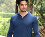 Fanboy in me for Big B, SRK will never die: Sidharth Malhotra