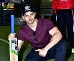 Box Bowl Out Xeries - Sooraj Pancholi