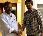 Actor Sudeep meets Karnataka CM Siddaramaiah