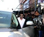 Sunny Deol visits G 7 cinema hall