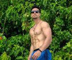 'Superhuman' Tiger Shroff's 200 kg deadlift video goes viral