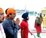 Raj Babbar visits Golden Temple