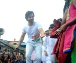 "Varun Dhawan at ""Sui Dhaaga"" promotions"