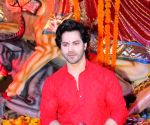 Not able to meet my sisters, feeling odd: Varun Dhawan