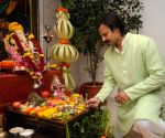 Ganesh Festival - Vivek Oberoi