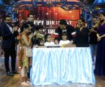 Vivek Oberoi celebrates hi birthday on the sets of India's Best Dramebaaz