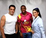 Yohan Blake learns Bolly dancing from Jacqueline Fernandez