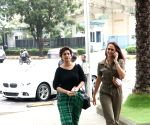 Sonali Bendre, Gayatri Oberoi, Sussanne Khan, Abhishek Kapoor and wife seen at Bandra Kurla Complex