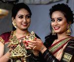 "Spoorthi, Savitha Devaraj Reddy inaugurate ""Bangalore Utsav Diwali Shopping Carnival"