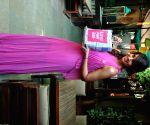 Bipasha Basu with Milind Soman at Mumbai SBI Pinkathon announcement