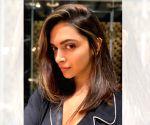Free Photo: 'Maar daal do mujhe': Ranveer reacts to Deepika's chopped hair