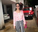 Esha Gupta seen at Bandra