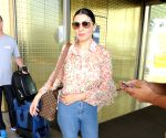 Hansika Motwani seen at Mumbai airport