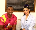 Free Photo: Yohan Blake learns Bolly dancing from Jacqueline