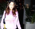 Janhvi Kapoor seen at Juhu