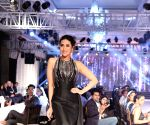 Karishma Kapoor at Forevermark's Red Carpet collection show