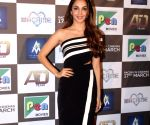 Kiara Advani looks stylish in funky white outfit as she enjoys her Sunday morning