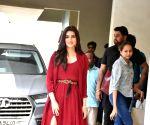 Kriti Sanon seen at Anupama Chopra's residence
