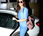 Kriti Sanon Spotted at BBLUNT Saloon Bandra