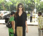 : Mumbai: Kriti Sanon spotted at the airport