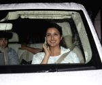 Sidharth Malhotra, Parineeti Chopra seen at Mumbai Airport