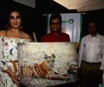 Gracy Singh, Raveena Tandon at a wildlife photography exhibition