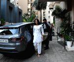 Rhea Chakraborty seen at Sushant Singh Rajput's residence