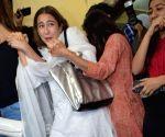 Sara Ali Khan seen at Juhu