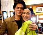 SRK makes me happiest girl in the world: Sayani