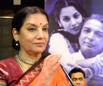 Shabana Azmi roots for handloom revival
