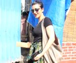 Shruti Haasan seen at Mumbai's Bandra