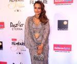 """Filmfare Glamour & Style Awards 2017"""" - Karan Johar, Kriti Sanon and Sonakshi Sinha"""