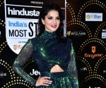 Sunny Leone turns into a dramatic star diva at the Gold Awards 2019