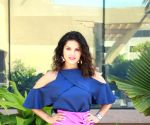 Sunny Leone's 'Hug & Love' time is too adorable to miss