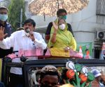 Actress turned politician, Samajwadi Party MP, Jaya Bachchan along with TMC candidate of Bidhannagar constituency, Sujit Bose at a road show during the State Assembly election at Salt Lake in Kolkata on April 14, 2021.