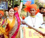 Urmila Matondkar celebrates Maharashtra Day