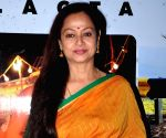 Zarina Wahab to play Modi's mother in biopic