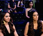 "Rakul Preet Singh, Tabu at ""The Voice"" sets"