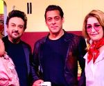 Free Photo: Adnan Sami recently visited the Bigg Boss house with his family!