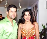 Aftab Shivdasani and Pooja Bedi at Dusk Art Gallery, Pali Hills, Khar (West), Mumbai on April 26, 2009.