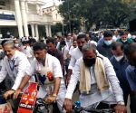 K'taka Cong leaders ride bicycles to Assembly to protest price rise