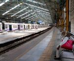 After dilly-dallying, Railways' allow women on Mumbai locals from Oct 21