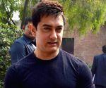Aamir Khan, Nita Ambani, Kiran Rao in Agra