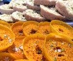 Agra sweet-makers work overtime to meet Ghevar demand