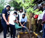 Free Photo: Ajay Devgn on planting trees: I can set example, all including kids should be involved