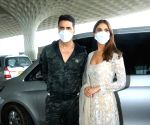 Akshay Kumar, Vaani Kapoor celebrate 'Bell Bottom' trailer launch in capital (Ld)