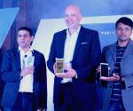 Launch of Alcatel 3V Phablet
